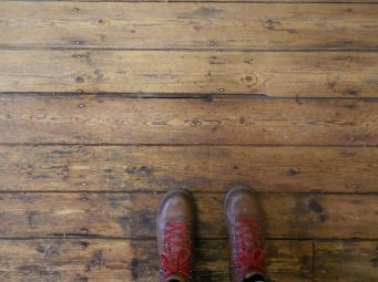 Thos pesky (but handsome) floorboards, with a cameo from photographers boots.